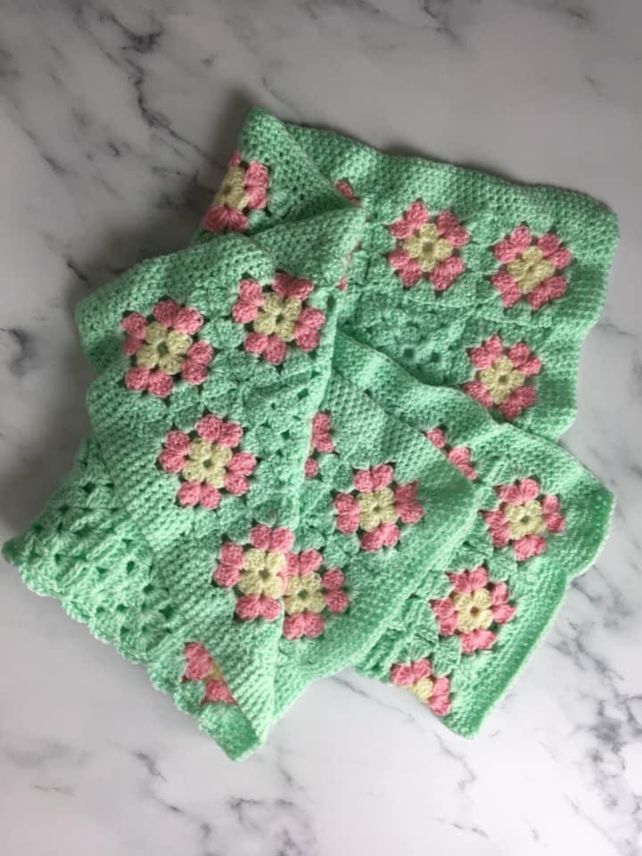 Crafty Cavy Crochet baby blanket
