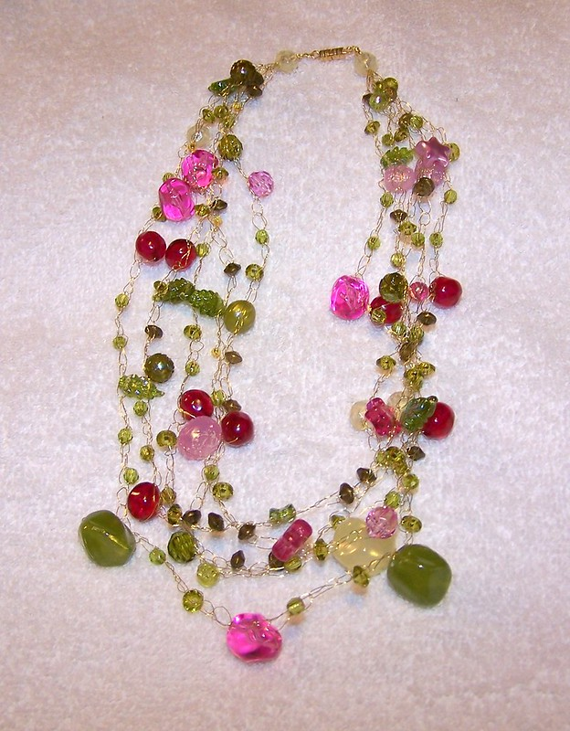 Wire crochet necklace with beads
